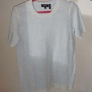 Light blue crew neck t-shirt